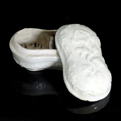 blanc de Chine betel box